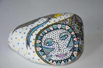 Sten med fiskafBarbara Kaad Ostenfeld