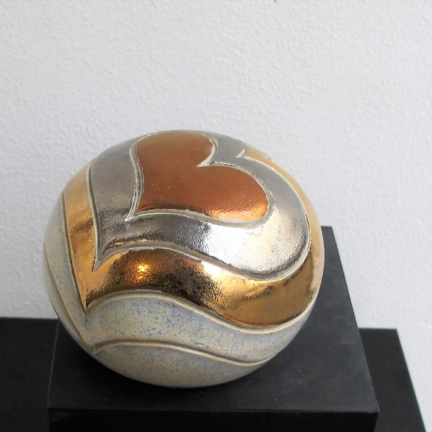 lille gobbel m. hjerter og metal | Keramik